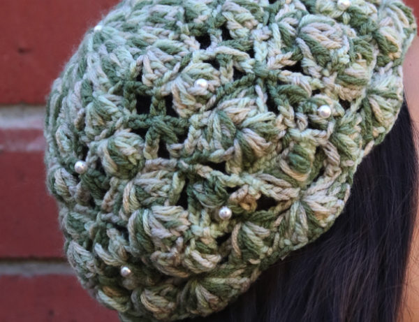 Pearl Drops Hand-Knit Beret | Green | Off-white Tones